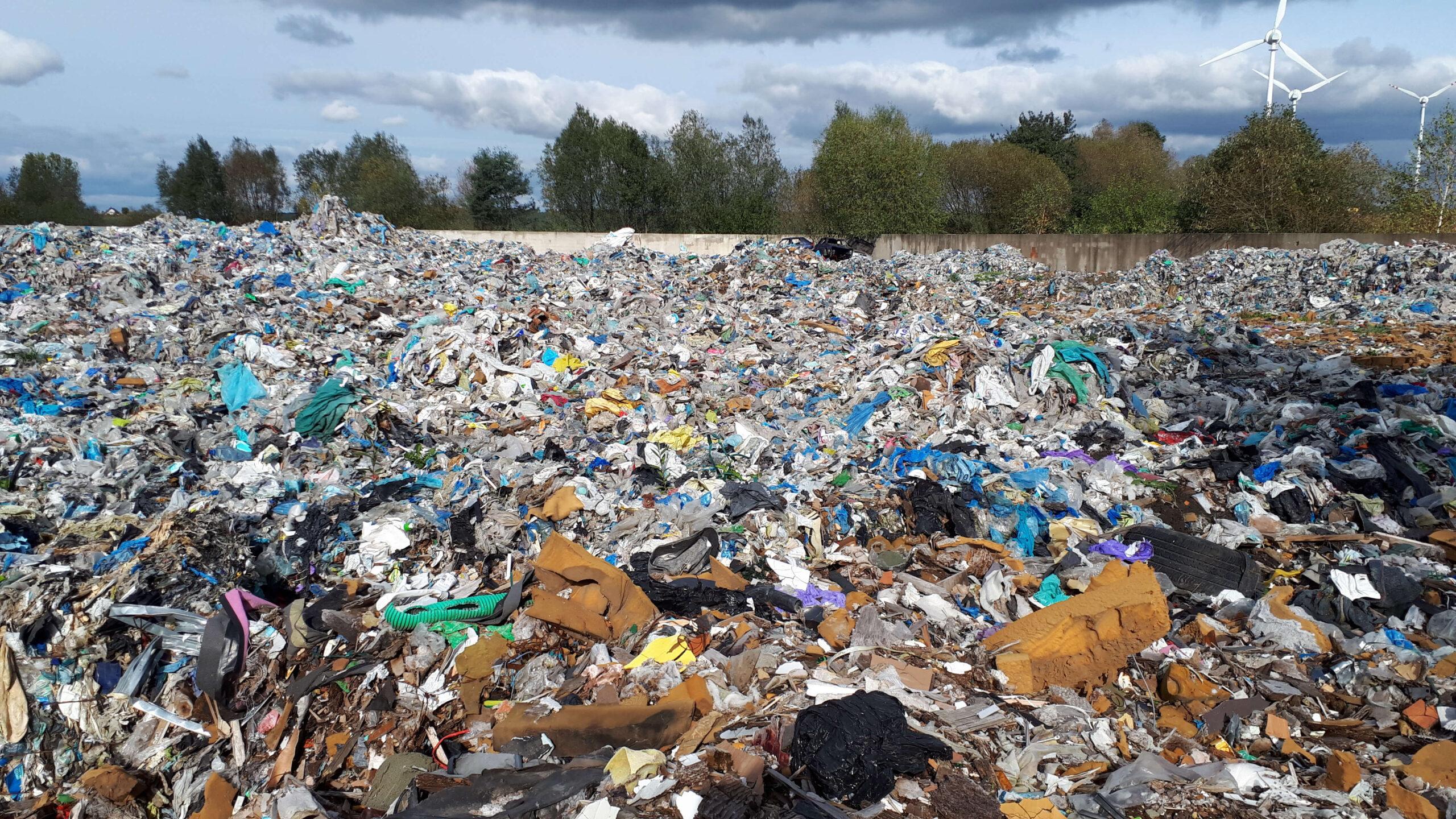 Kolejne czynności WIOŚ w związku z ujawnieniem zakopywania odpadów