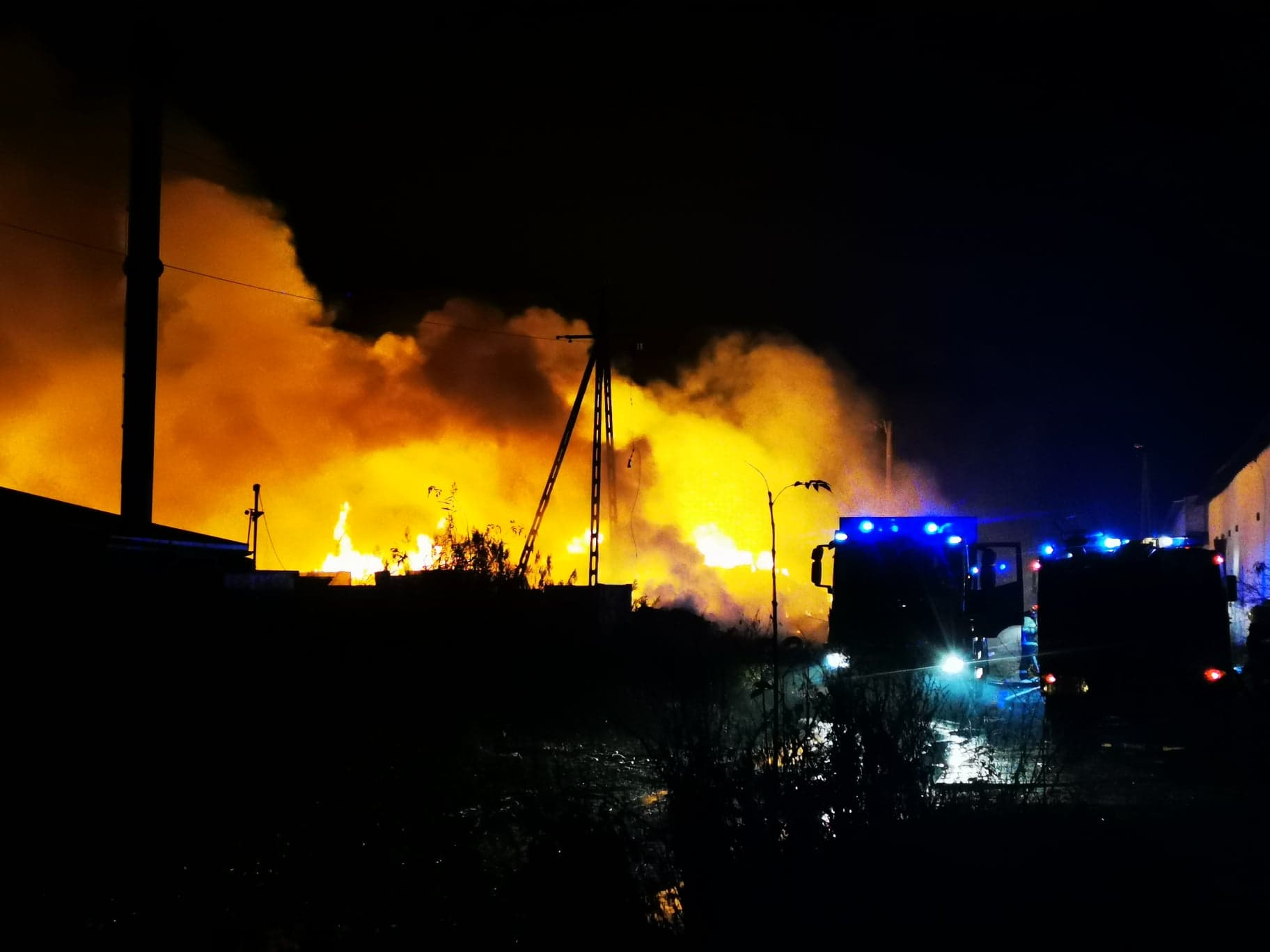 Pożar składowiska opon w Raciniewie
